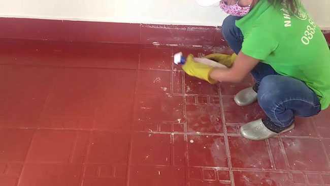 Hướng dẫn cách tẩy xi măng trên nền gạch