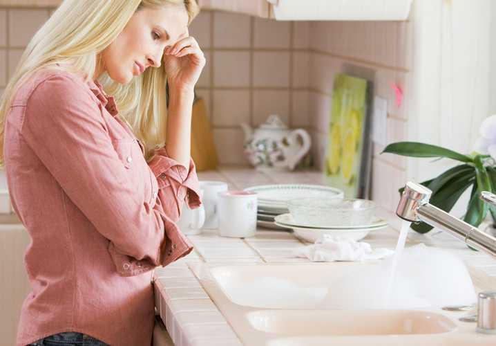 Cách thông tắc bồn rửa bát vô cùng đơn giản chỉ với 2 bước